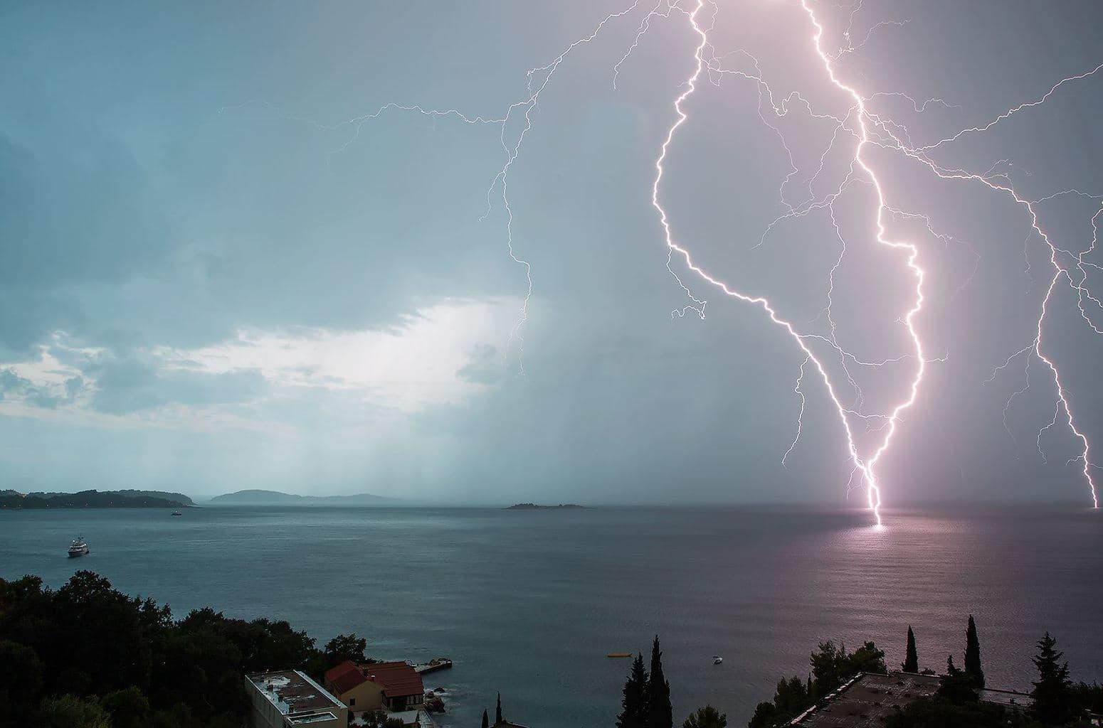 close lightning strike in Adriatic sea few days ago