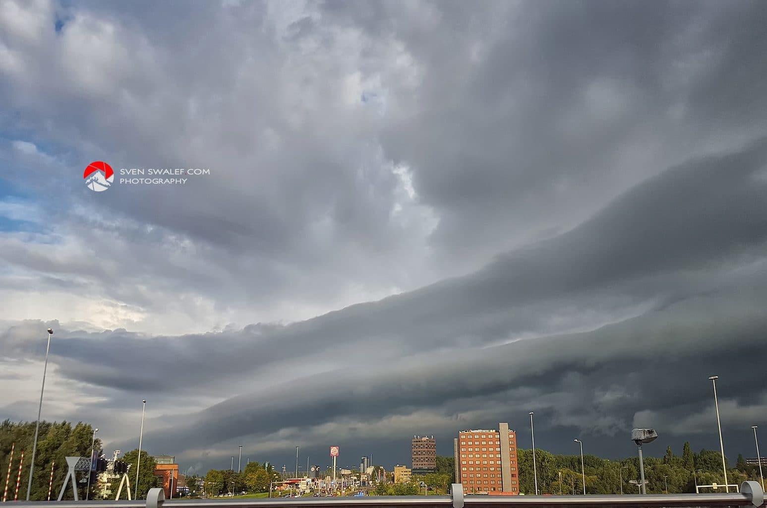 Shelfcloud taking over the city of Vlaardingen (Netherlands) on the 3'th of September!