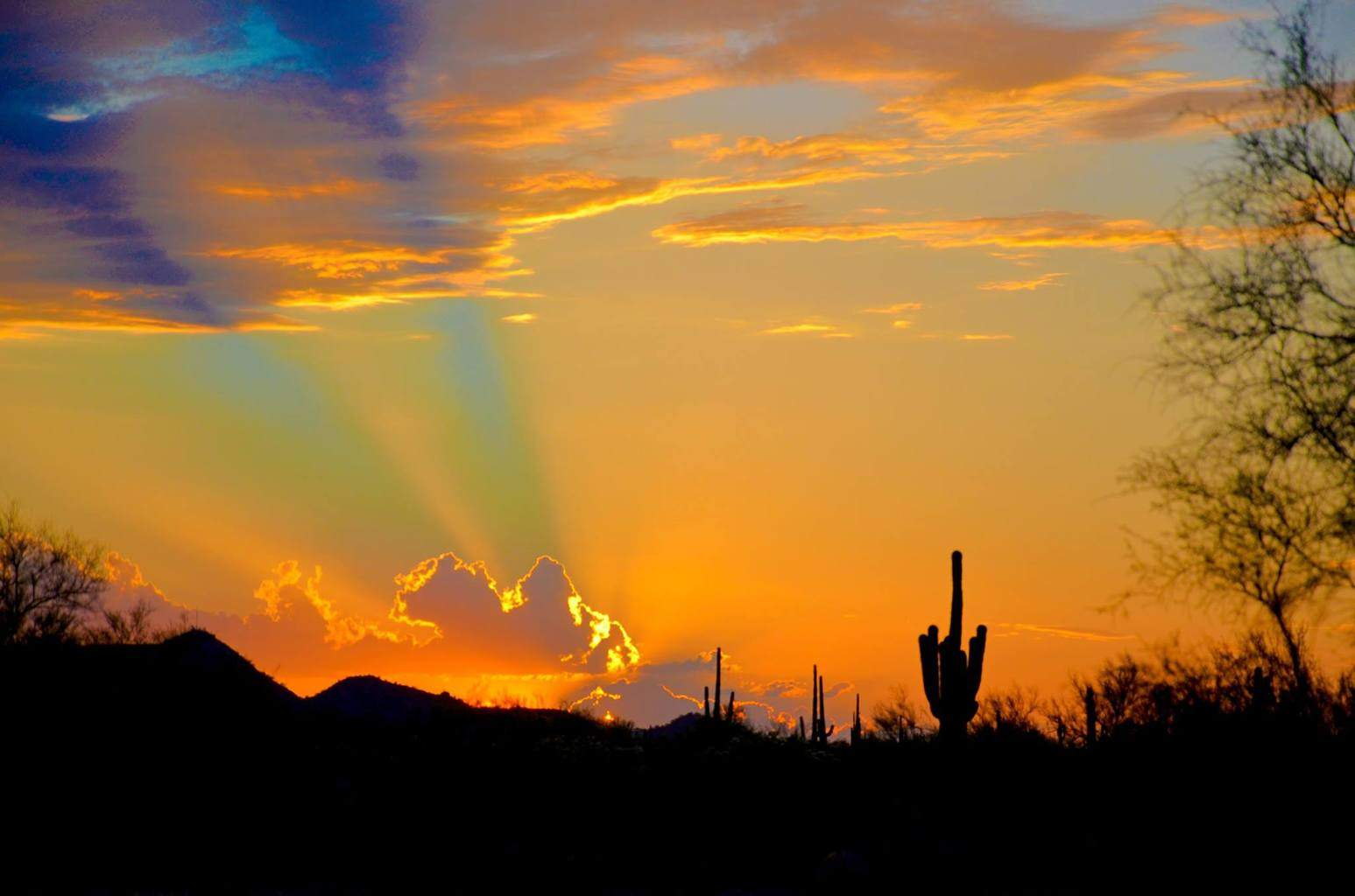 Sunset rays. Apache Junction AZ