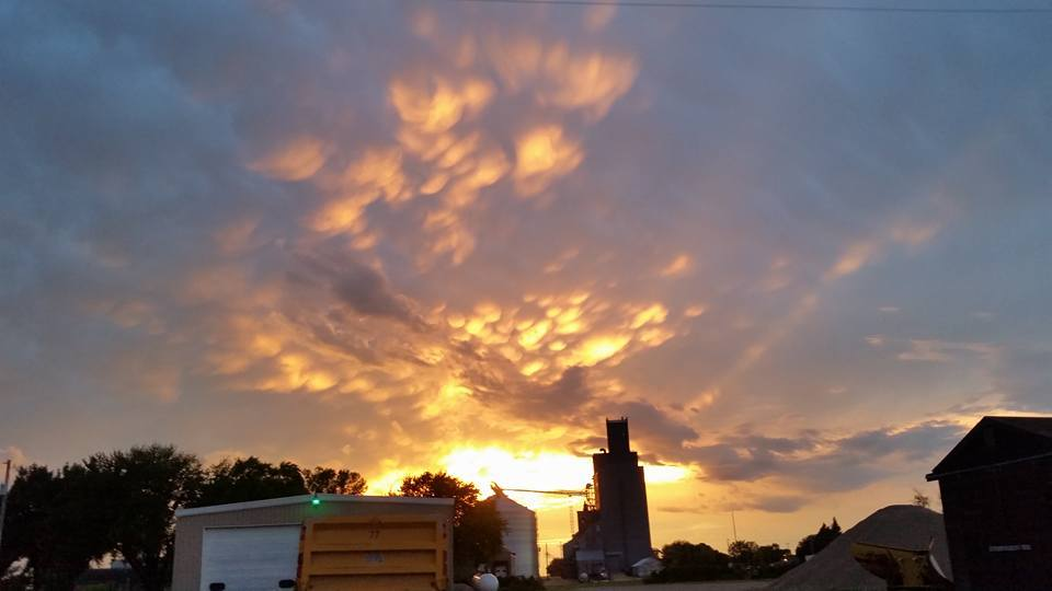 Times like this I wish for a nice camera Taken in southern MN 9-15-15 with my cell phone