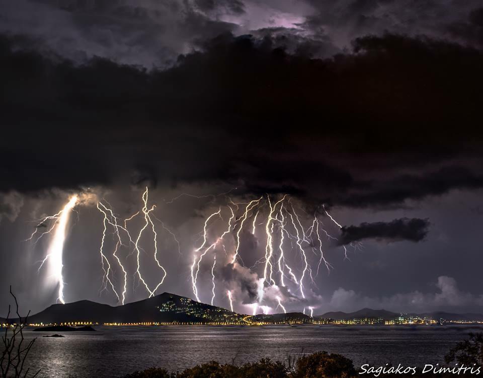 6 stacked lightning strikes at one photo.. NE Attica 24-9-15