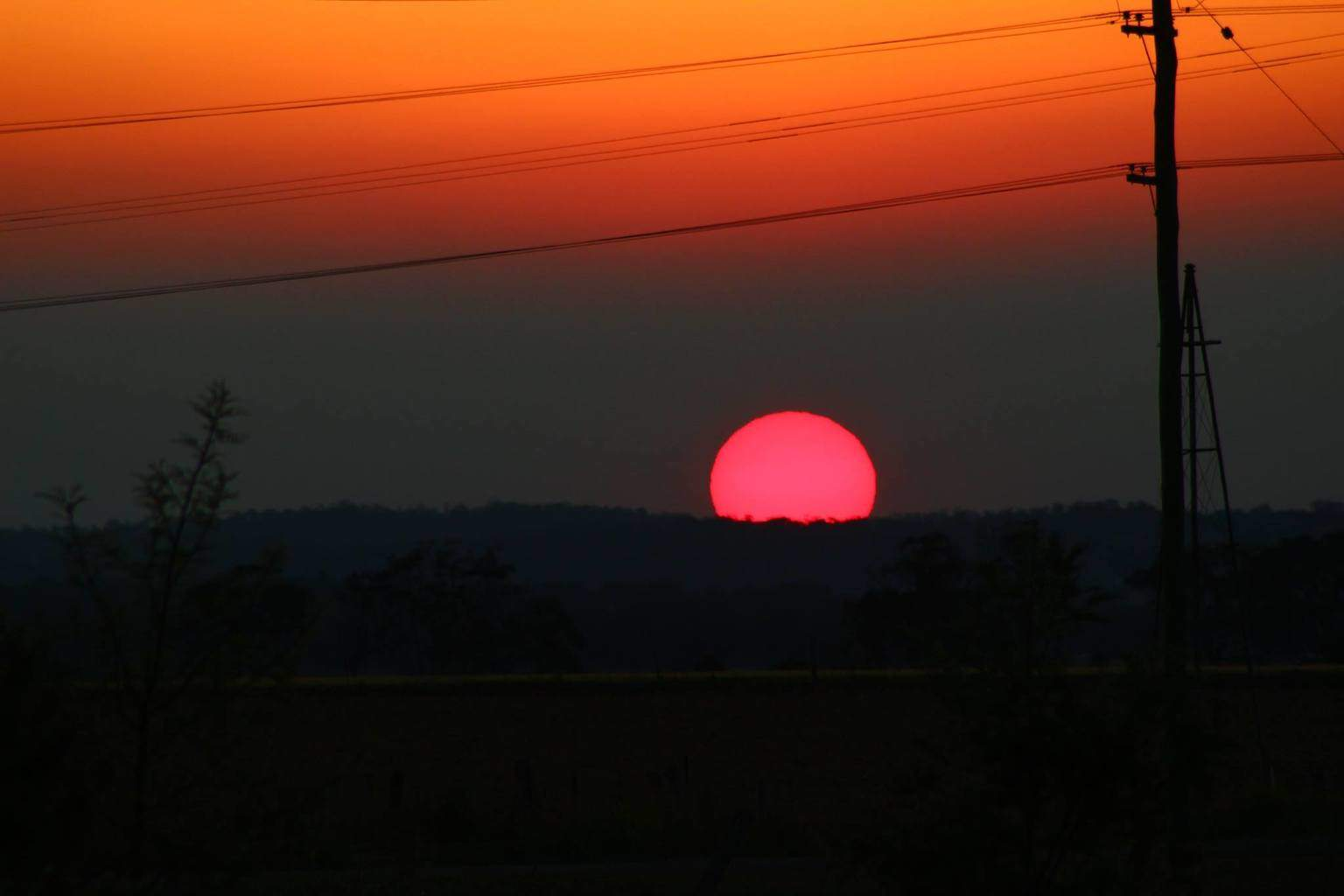 Just captured this gorgeous sunset near Warwick QLD Australia. The sun looked pink