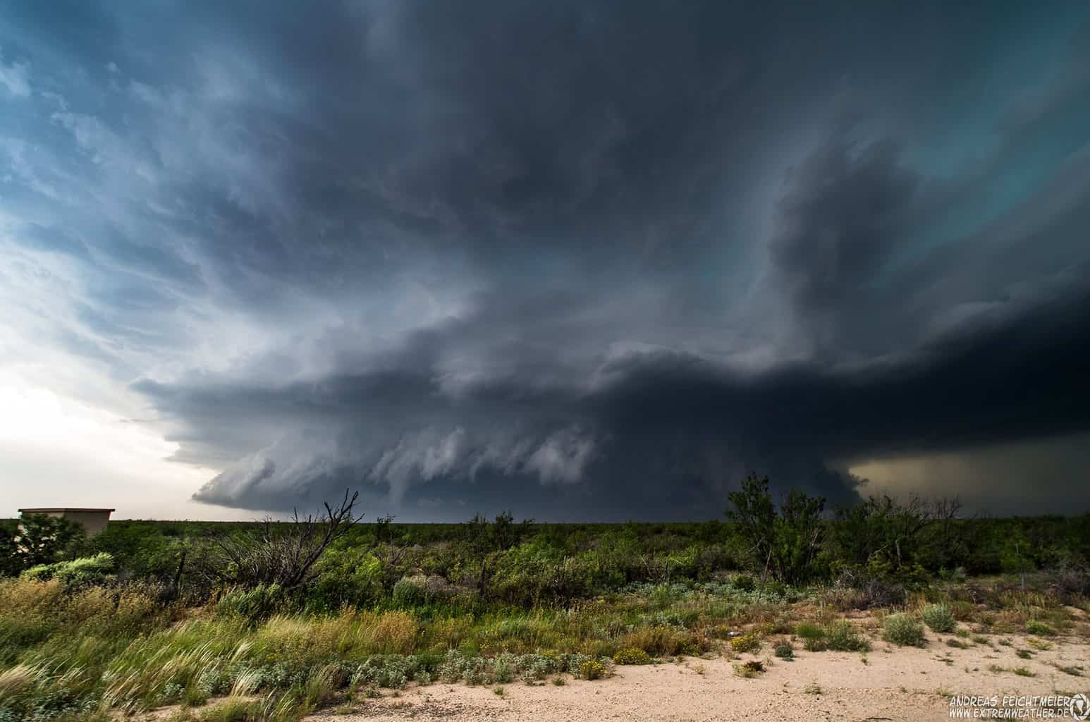 May 18th 2015 Massive and slow moving HP-Supercell near Fort Stockton, Texas.