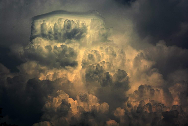 Nice structure after convection with pileus cloud near Šibenik,15.8.2015.