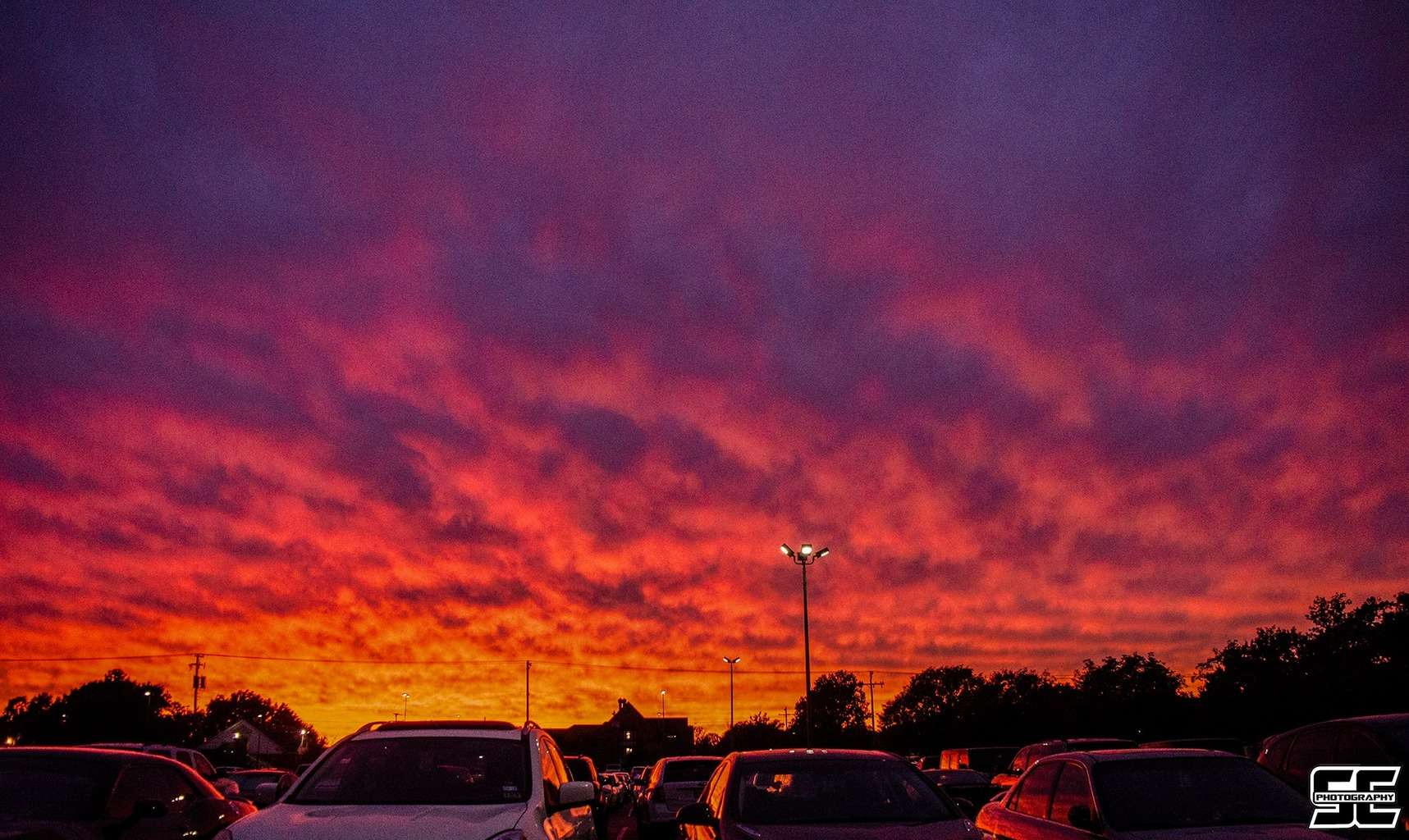Absolutely gorgeous sunset tonight here in Norman, OK! Oklahoma sunsets do in fact rule!