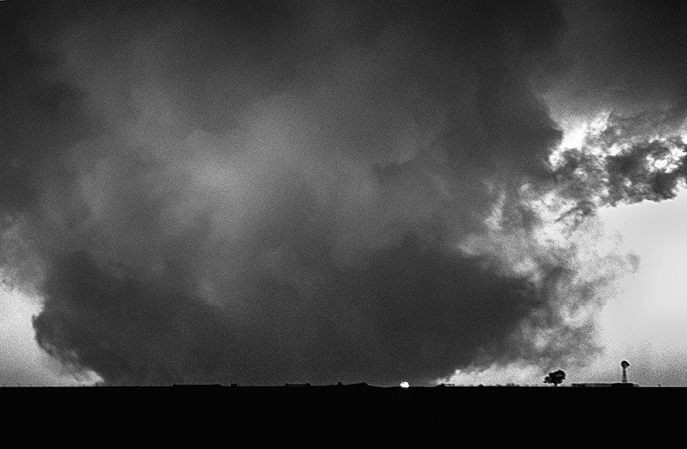 Truck flees from the Happy, Texas tornado on May 5, 2002.
