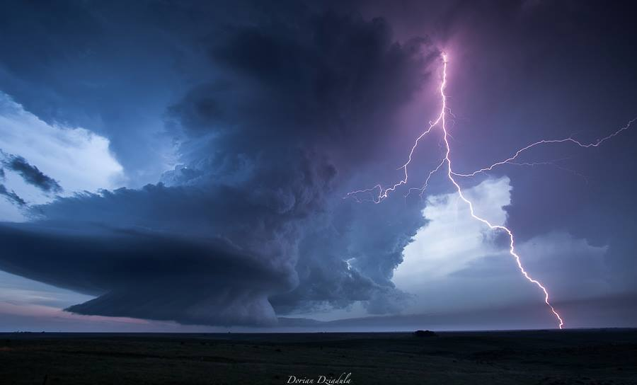 Perfect LP supercell during the evening of June 4th, near Hoxie (KS).