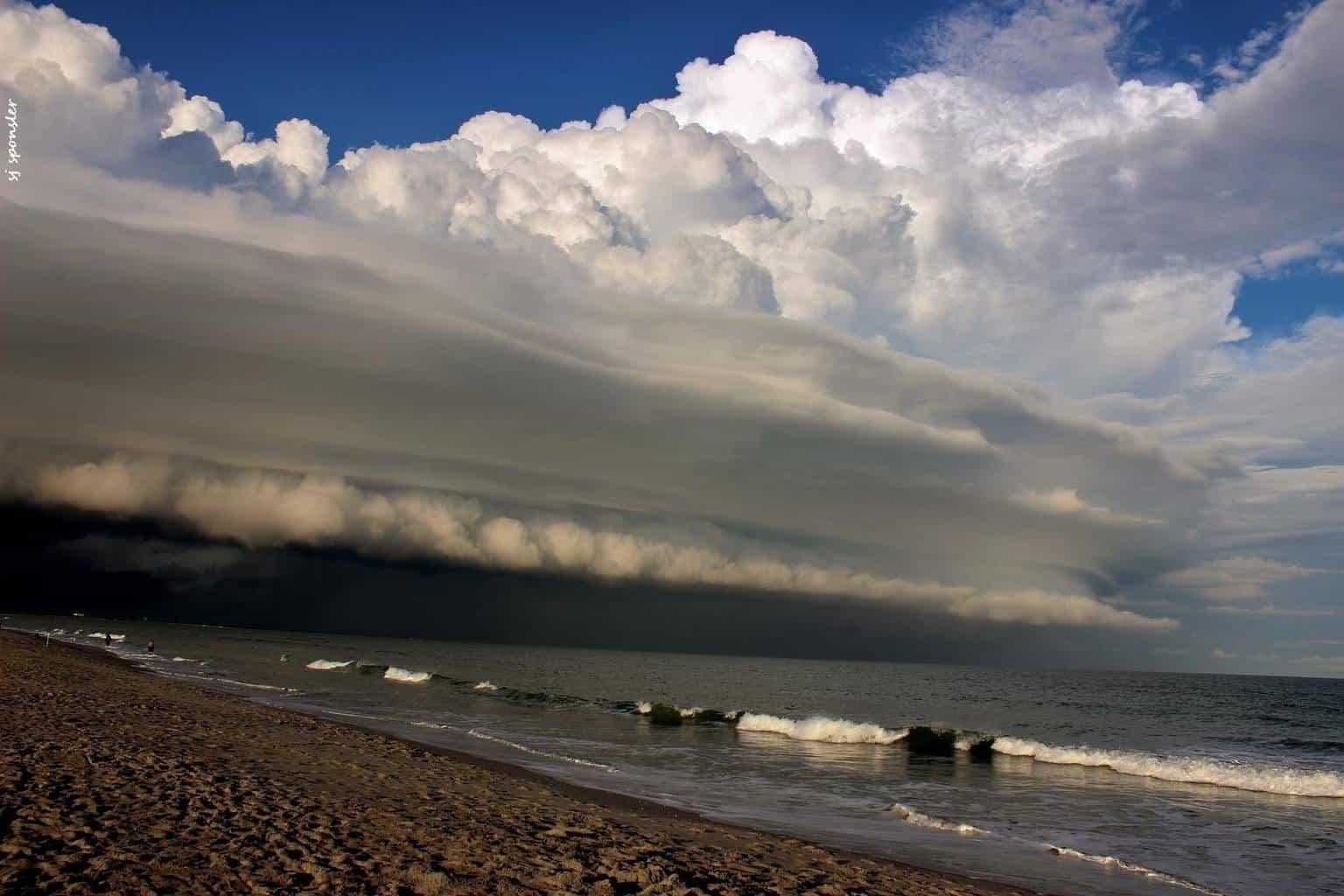Saturday Six o' Clock Shelf Magic - Shelf Cloud Cape Canaveral, Fl (10-10).