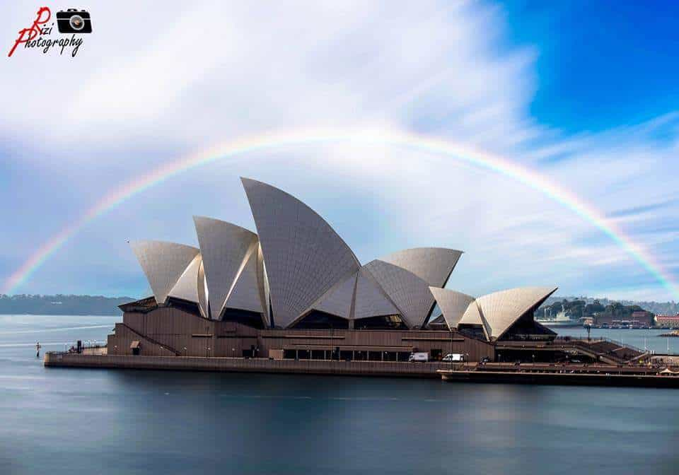 A complete rainbow ? over opera house