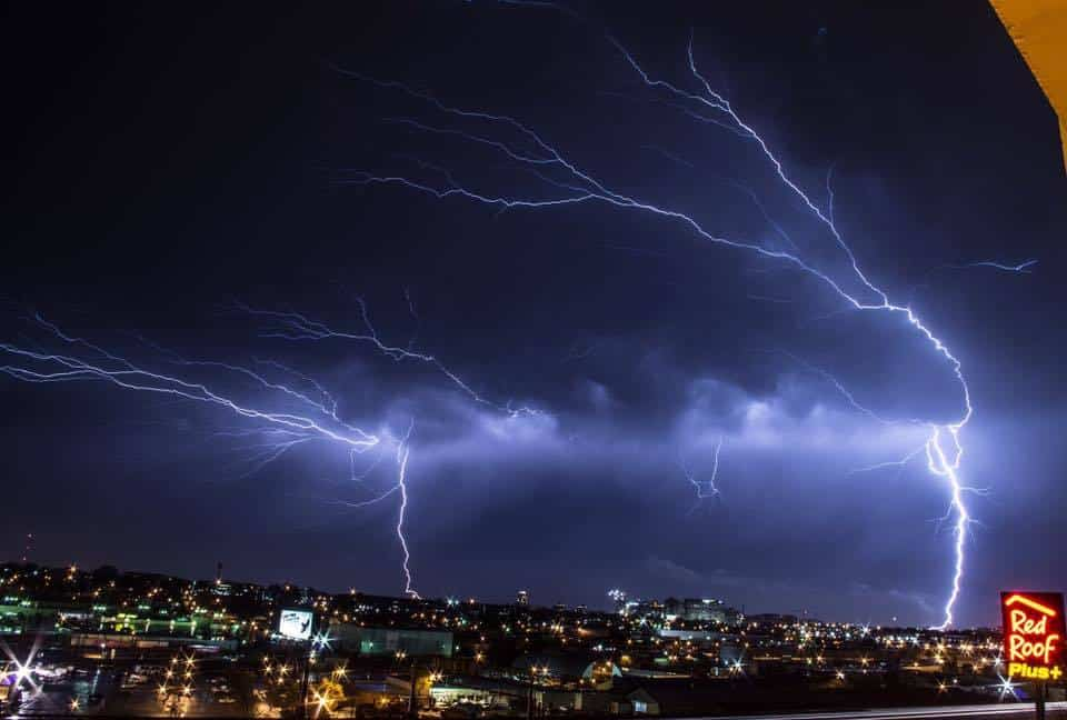The Beautiful skyline of Saint Louis, Missouri during a line of strong storms rolling through!!