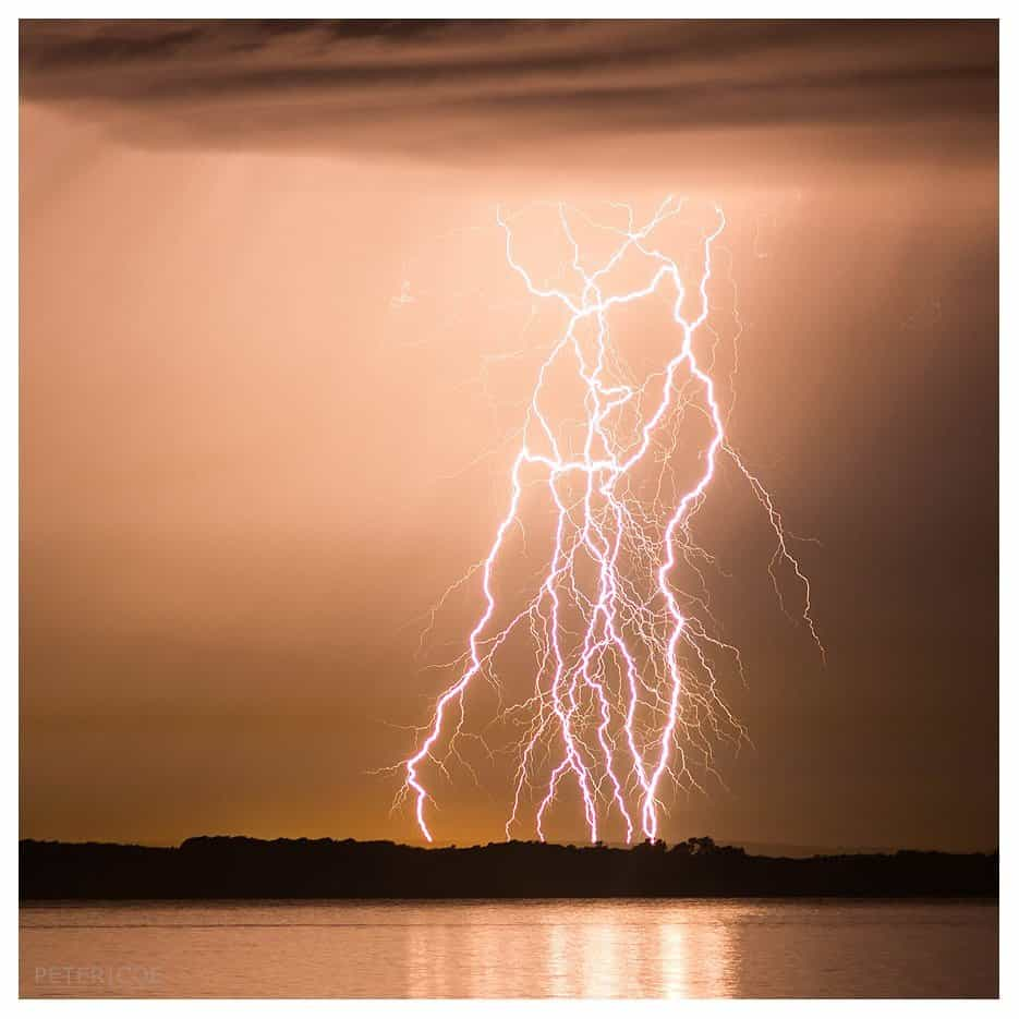 High based thunderstorms moved over southwestern coastal Western Australia during this evening producing incredible electrical displays. 14/11/2015