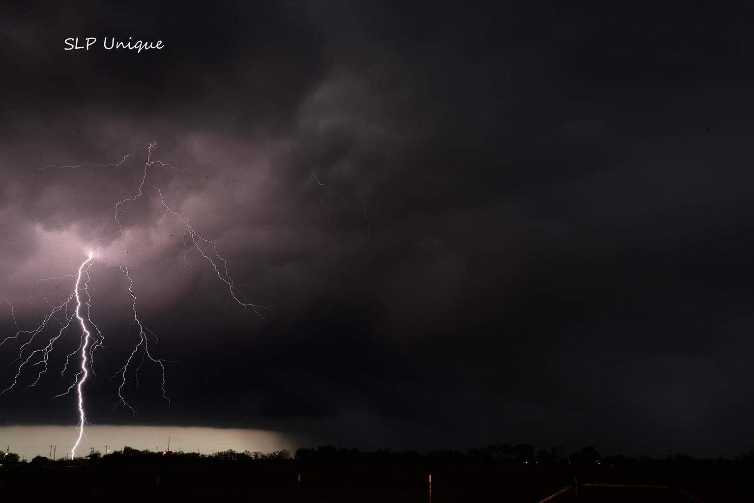 Ponder, Tx tonight as a super cell was approaching — with Chloe McDowell.