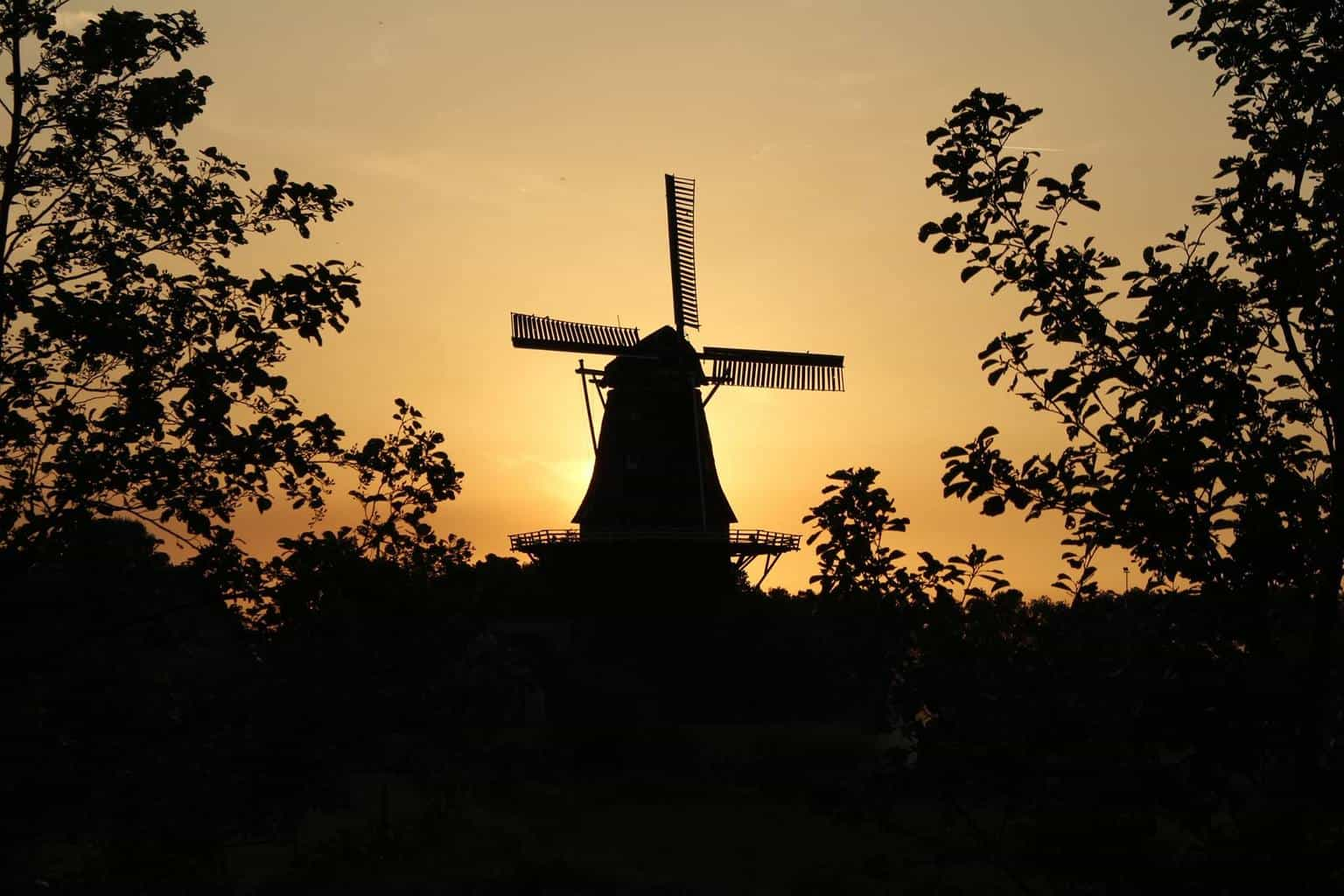 A new day and new pic. From Burdaad the Netherlands i shoot this photo  7-6-2014 21:20