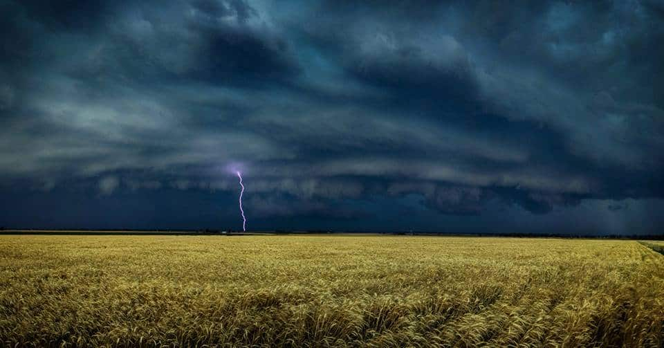 Incredible Scene As This Strom Front Rolled Across The Darling Downs, Queensland, Australia On Saturday 14/11/2015.