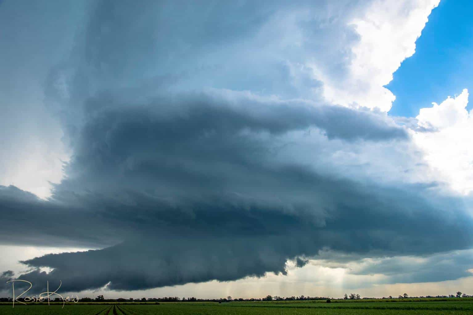 I don't think I have posted this one before (some others from this storm) - This was the Classic Supercell that formed near Lismore Northern NSW Australia. Such stunning structure for this part of the world!