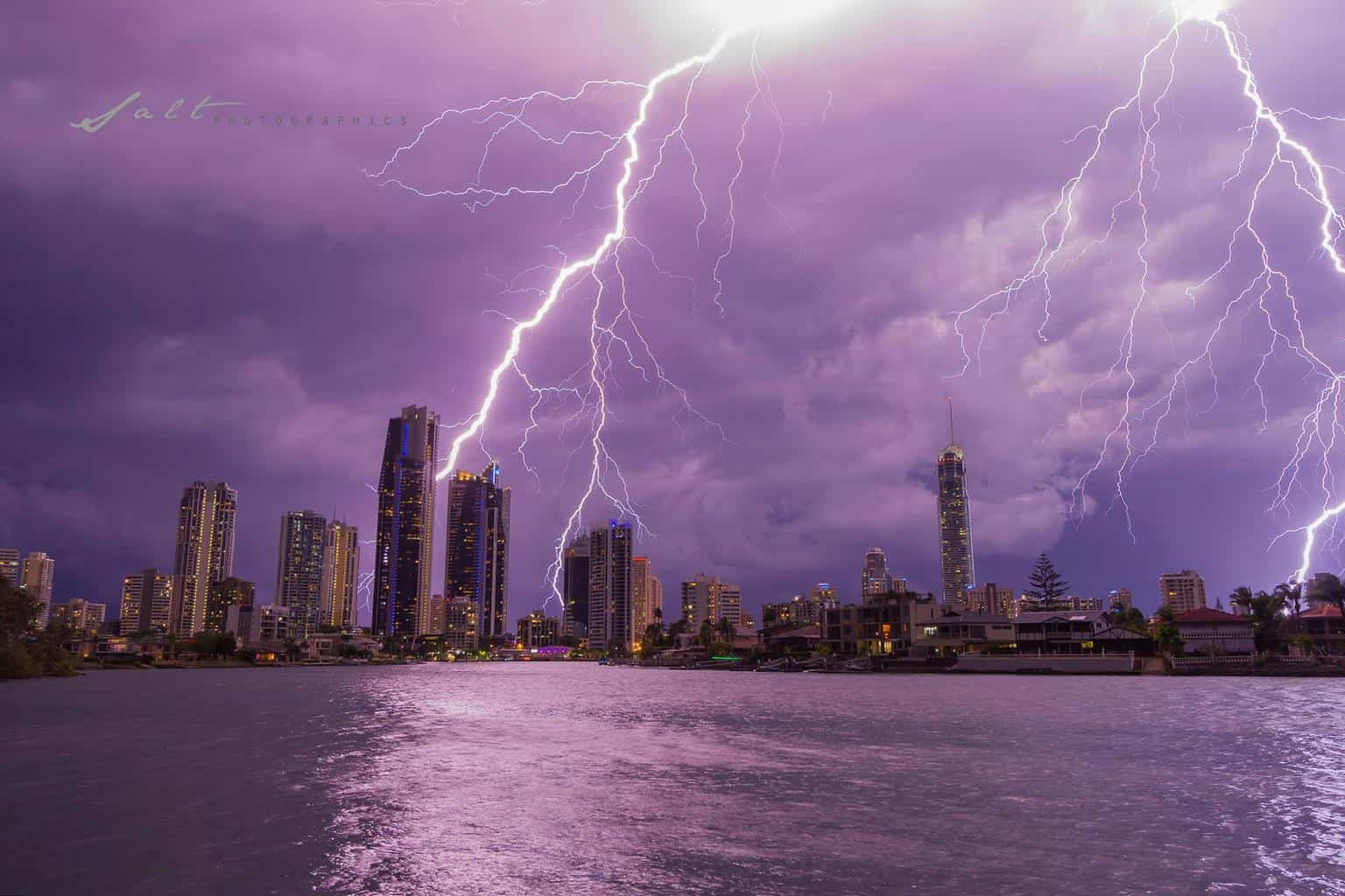 Evandale Park, Surfers Paradise | Gold Coast, Australia I honestly do not know what is more beautiful the surfers paradise skyline or nice big branchy bolts, One day i hope to get the Q1 zapped but let's call this one practise.