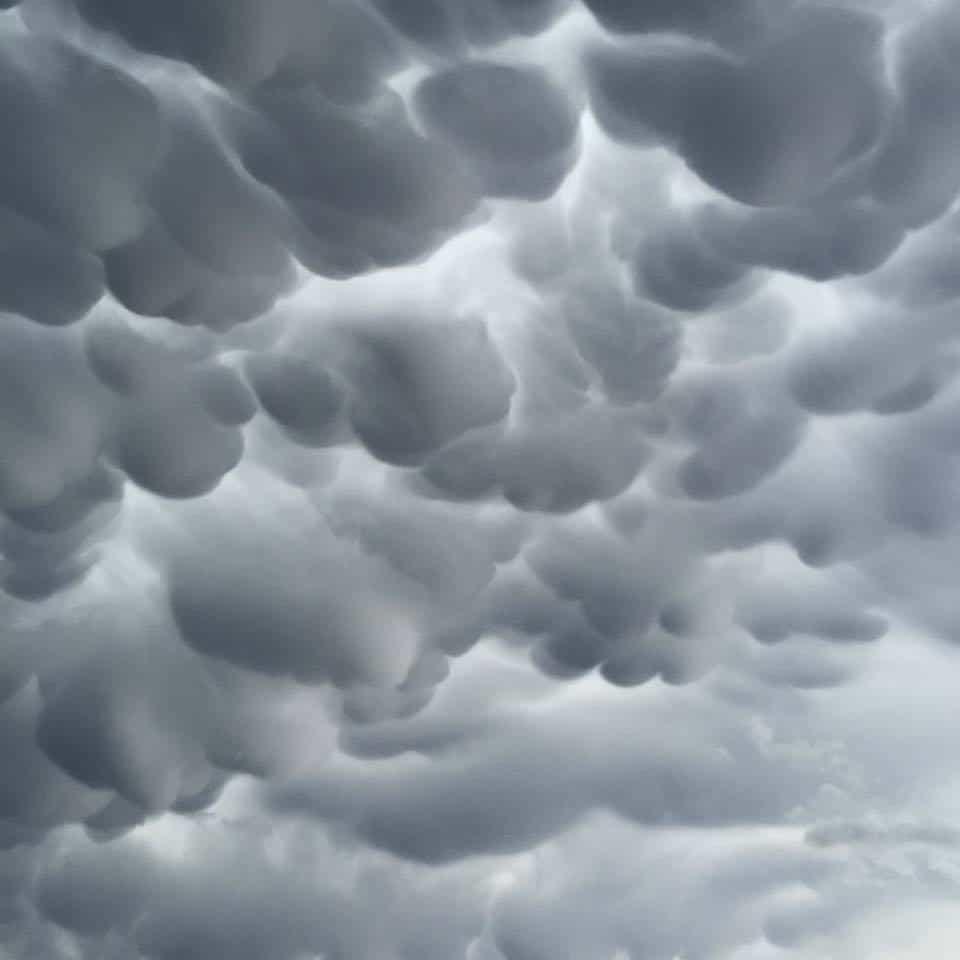 """Sky waves"" Mammatus clouds near Wheeler Tx, ahead of a massive HP supercell!"