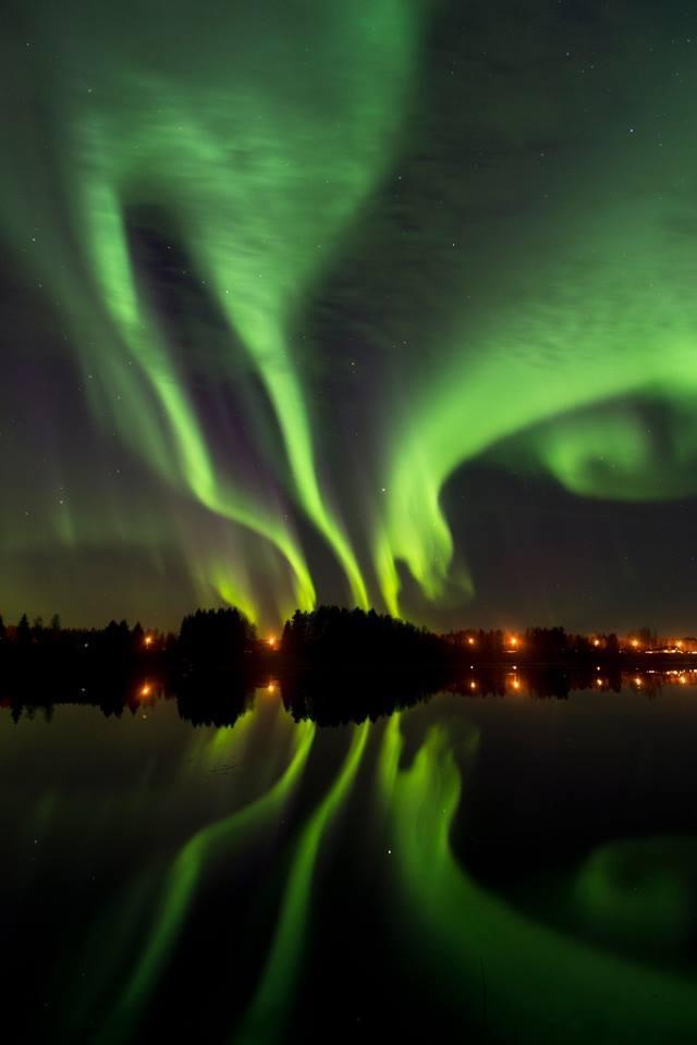 Auroras 10/7/15. — in Vatjusjärvi, Oulun Lääni, Finland.