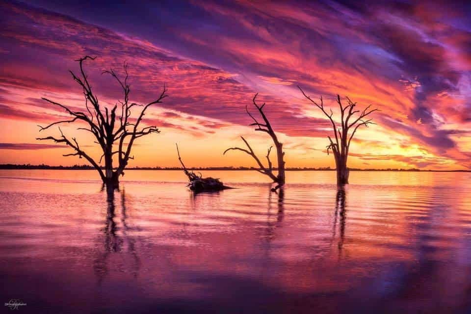 Complete tranquility! This is one of the most vibrant & colourful sunsets we have ever captured! Taken recently at Lake Bonney in South Australia, this is an incredible moment we will never forget…