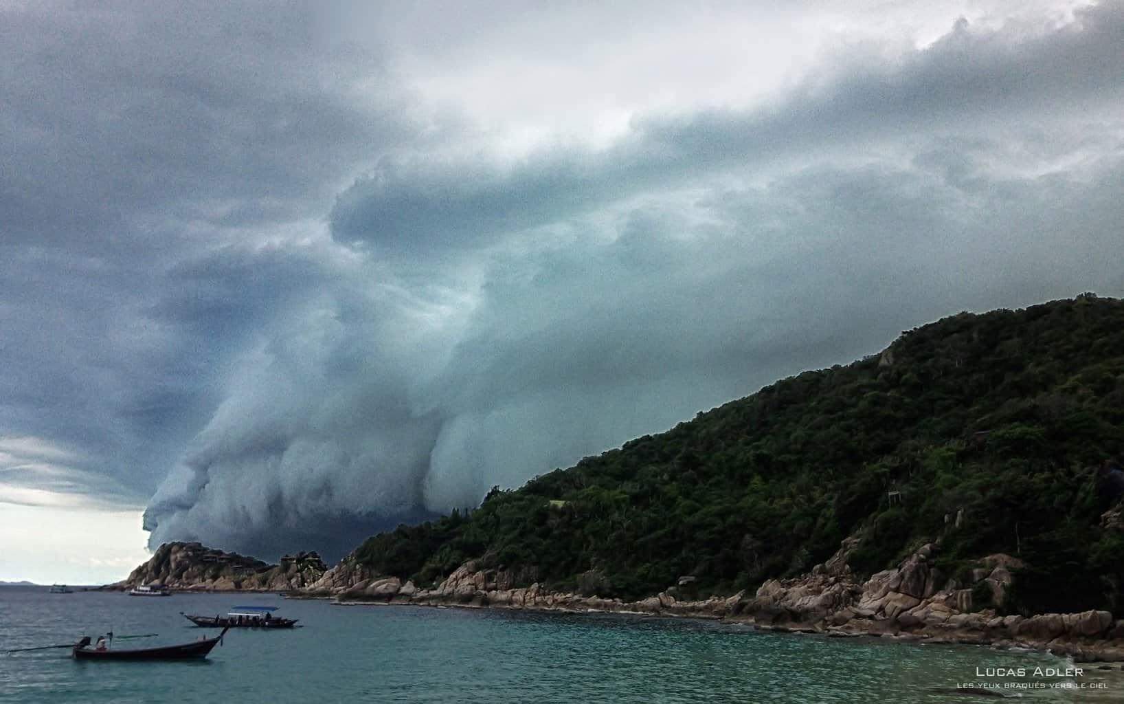 Mega shelf cloud hits Koh Tao, Thailand back in July