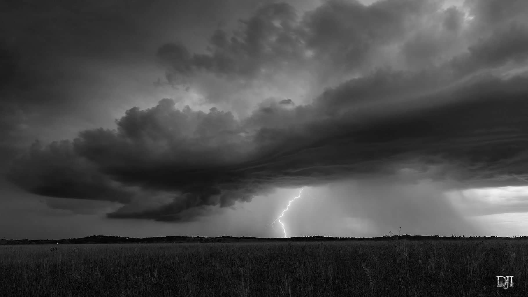 I want to share a pic of my 2nd favourite storm I've shot so far . This was shot in Lochinvar NSW in March 2014.
