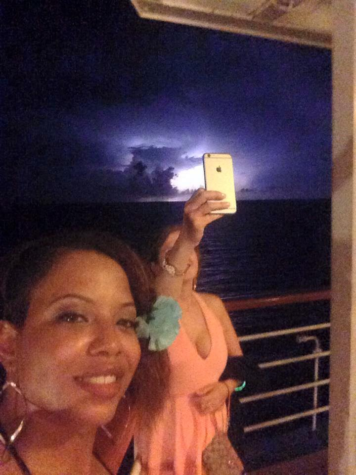Lightning over the oceans. I love this pic!