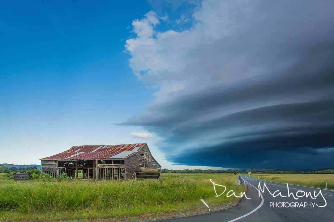 Nice bit of structure as a storm heads across the range near Imbil on the Sunshine Coast - Australia this week. I stumbled across this old shed and thought it would offer a good perspective of the size of the shelf cloud