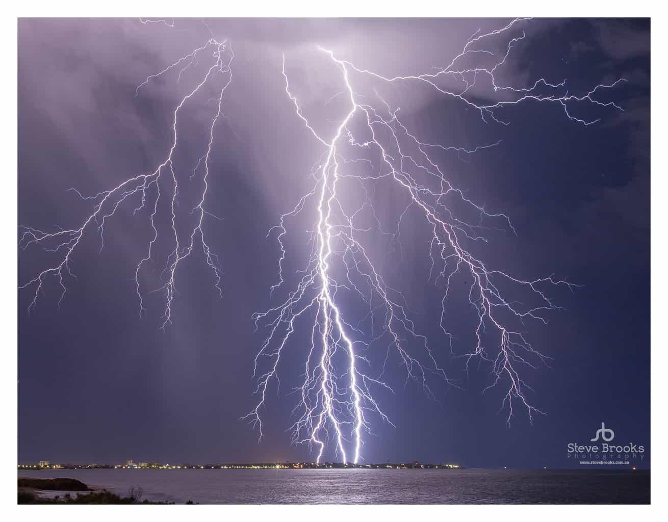 Summer Lightning Storm over Mandurah in Western Australia!!