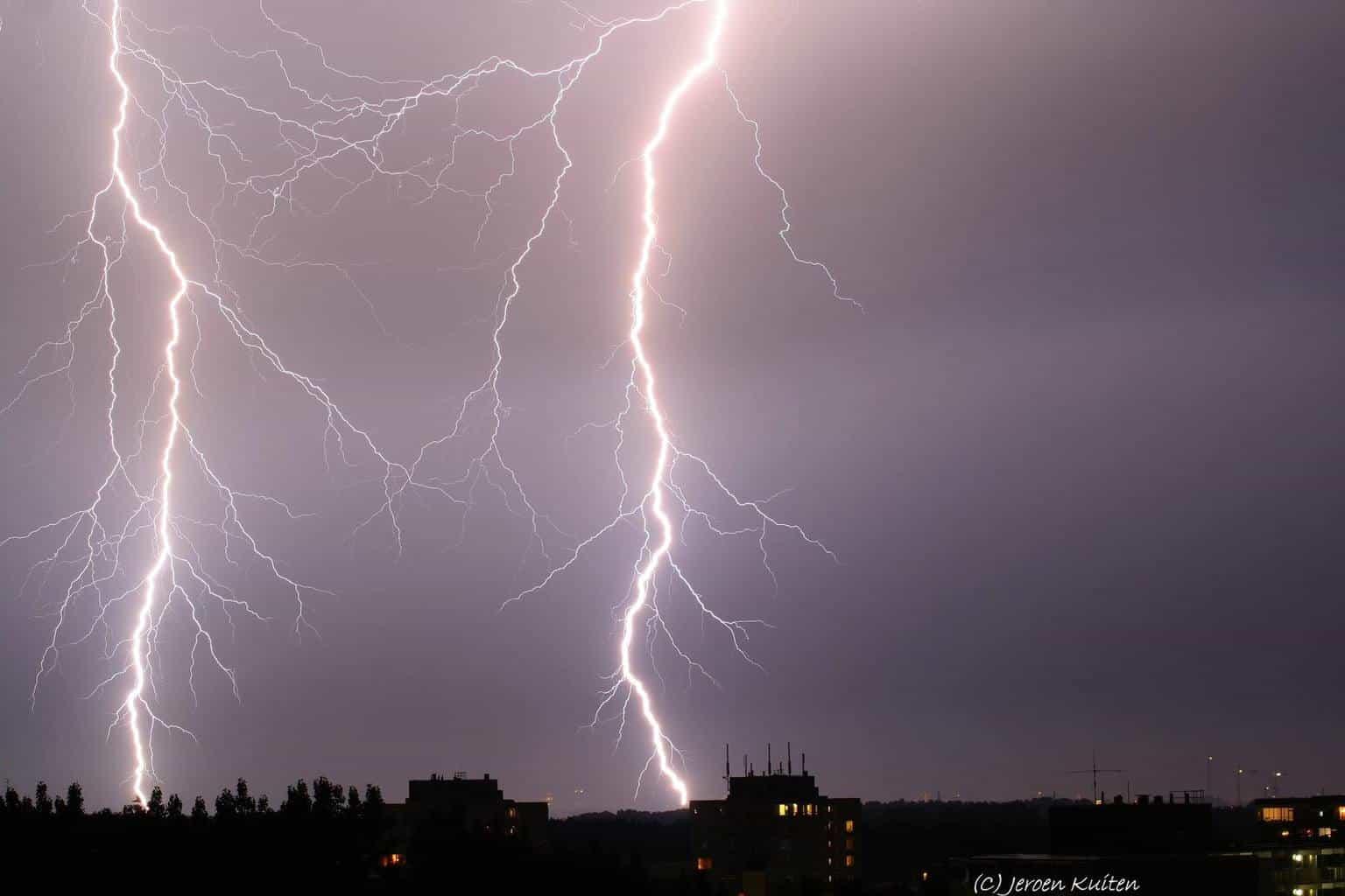 Lightnings (Nîmes) France August 12, 2015