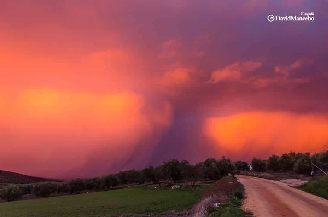 Epic sunset! Orange snow curtain. Villanueva del Rosario (Malaga, Spain)