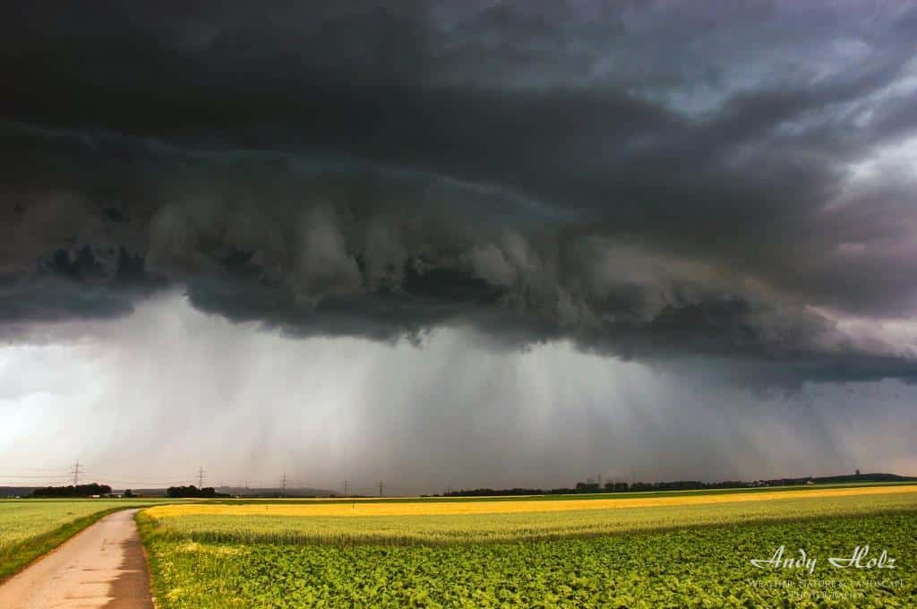Wonderful shelfcloud near Dueren/Germany, June 2011