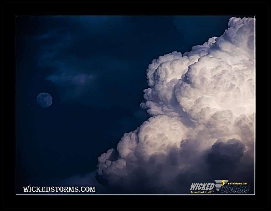 """""""The Man in the Moon"""" - Kansas 2015 (no stack - one image)"""