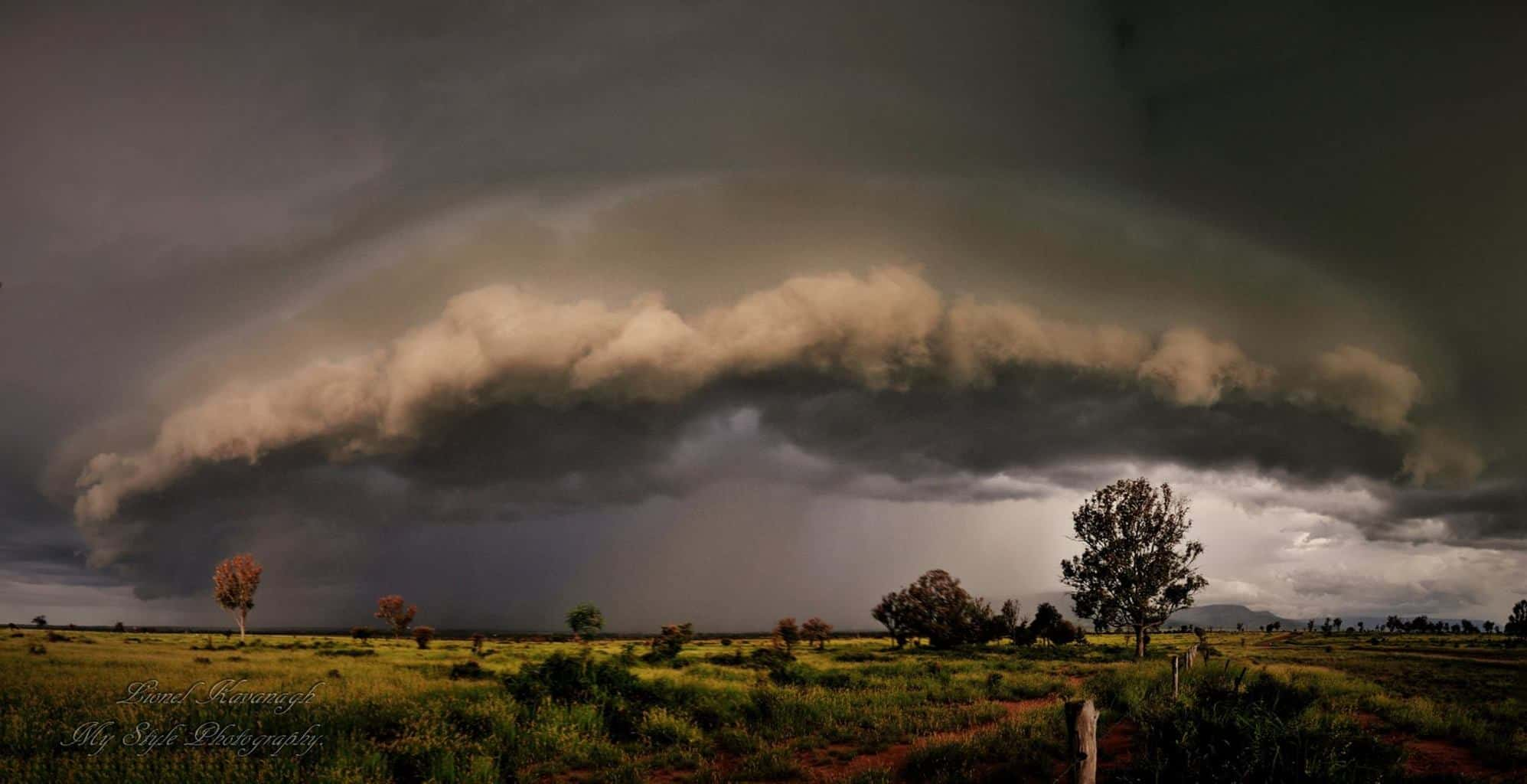 Storm cell rolling in over Tantallon Blackwater Qld. My first Pano stitching 5 images together. This storm was in Jan 2015.