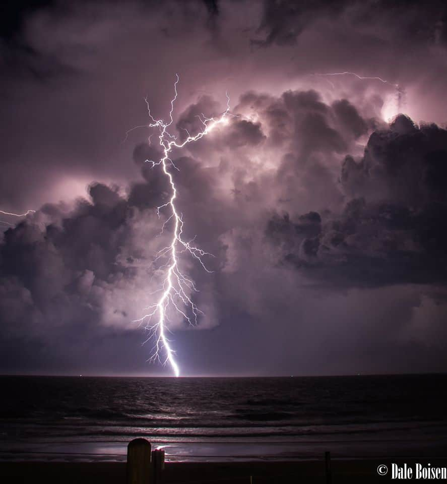 A nice close strike shot from Bribie Island on the 1st of February. Amazing storm that went for hours.