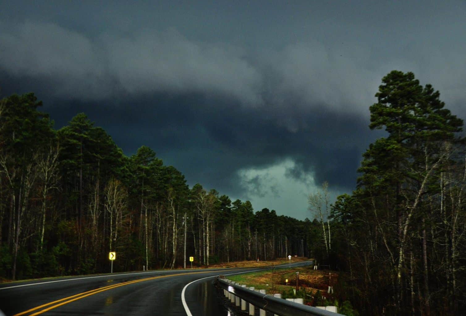 """Chasing a Tornado warned into """"the Jungle"""" around Maumelle, Arkansas. I love the Emerald greens and jade hues to the storms here. Hope you enjoy!! — with Jesse Post."""