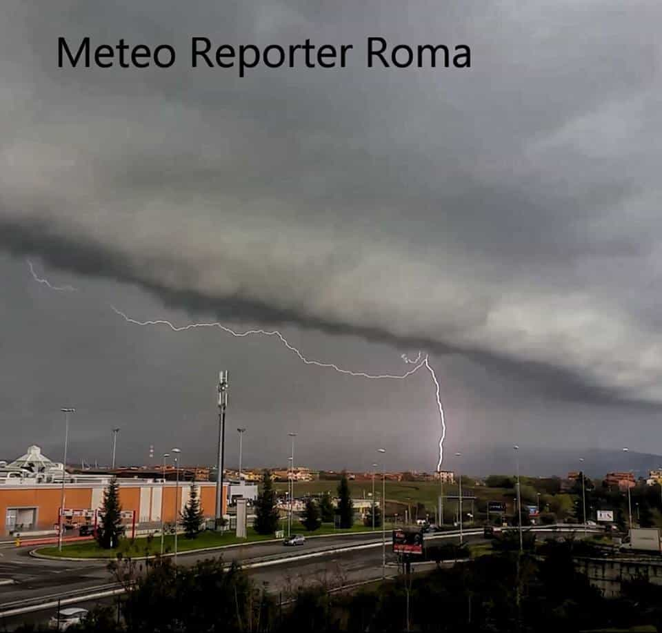 Personally I never expected to take a photograph with shelf cloud and lightning. This photo was taken on Thursday 03 March 2016 in the east areas of Roma]]>? Italy