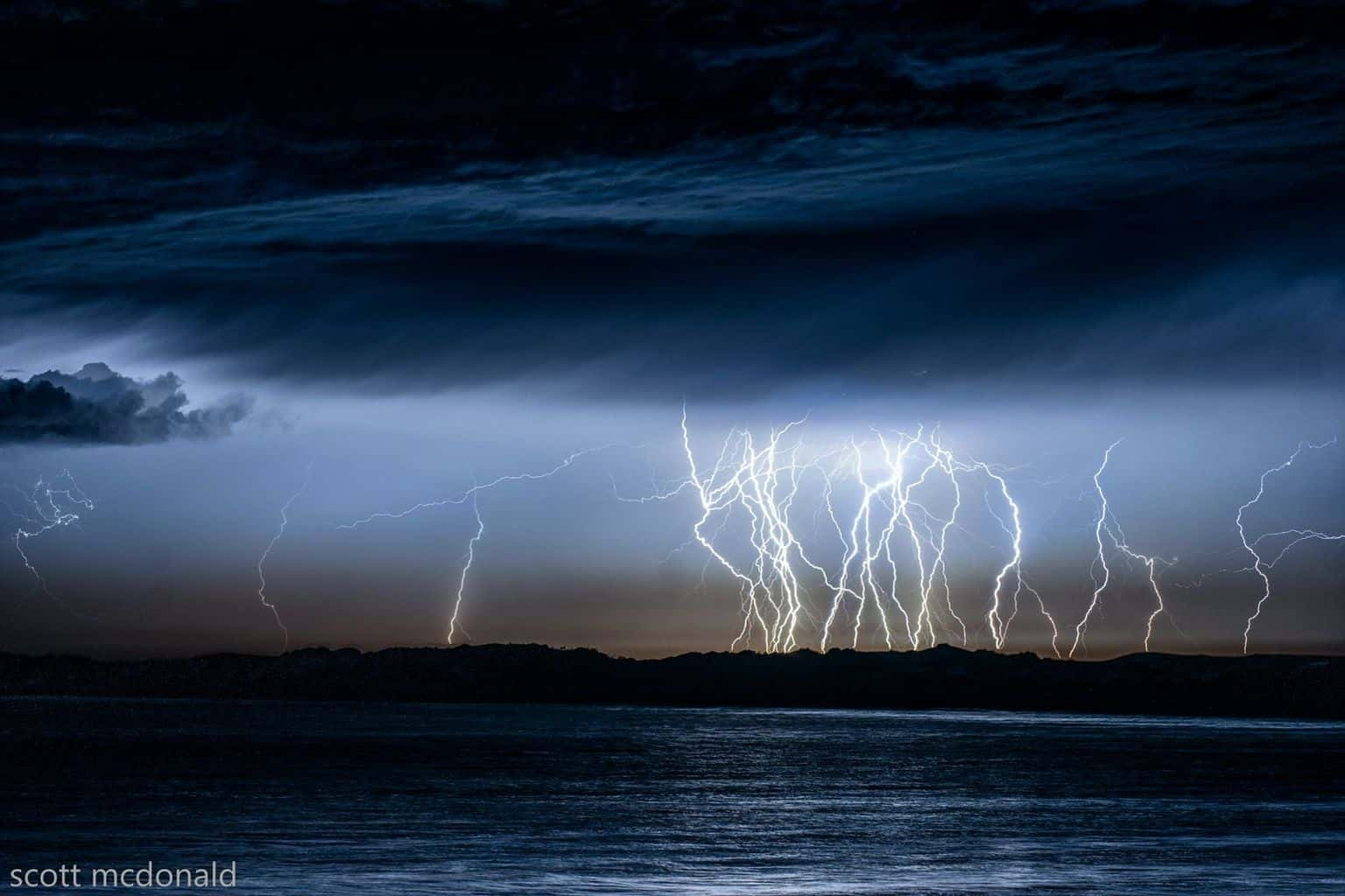 the last storm of the season put on one hell of a show this is a stack of 6 shots which happend in a couple of minute