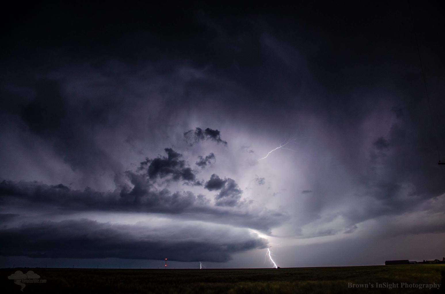 Here is a shot of a beautiful supercell that was in southern kansas from last season! I hope you all enjoy!