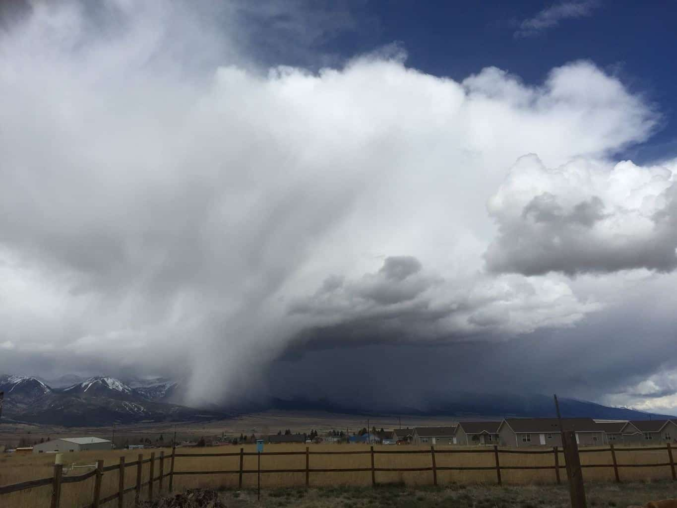 Cool shot of a downpour of probable snow/rain mix coming off the mountains this morning...Westcliffe, CO