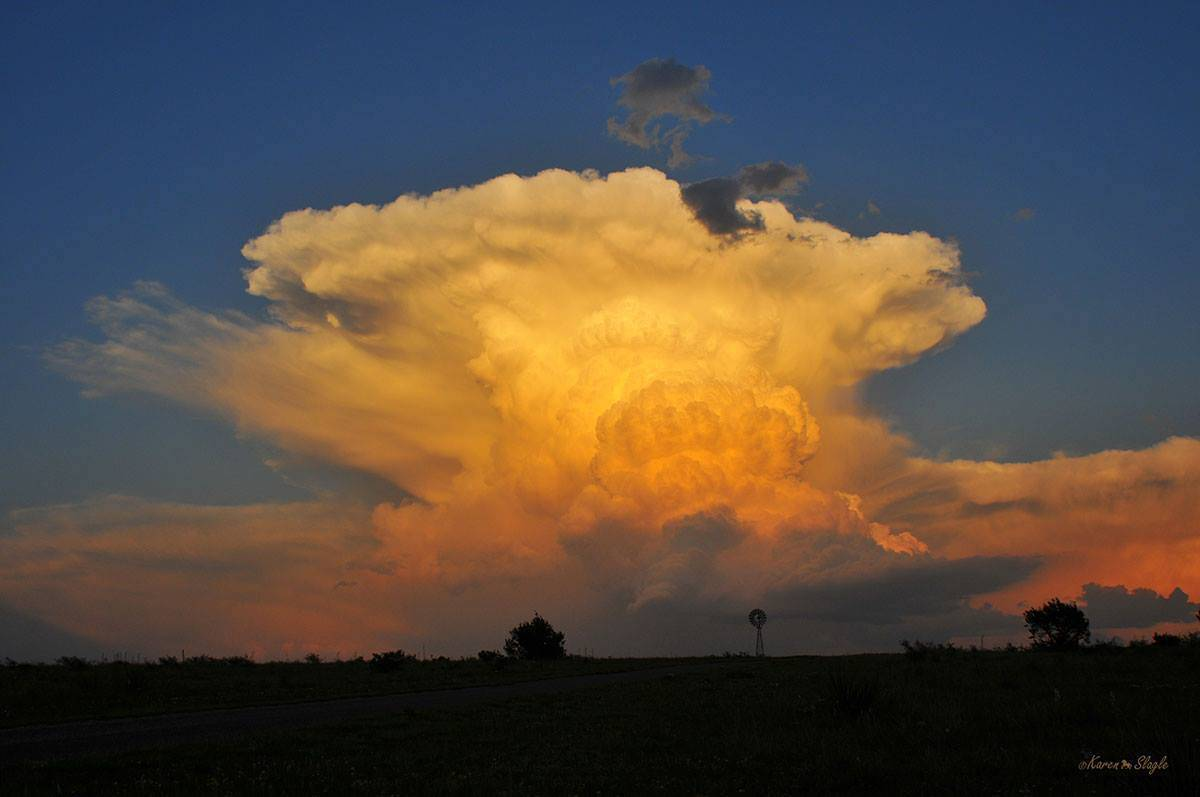 Cumulonimbus over Texas May 10, 2010.