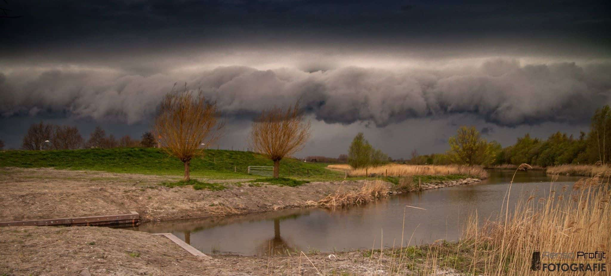 Nice cloud in the netherlands  07-04-2014