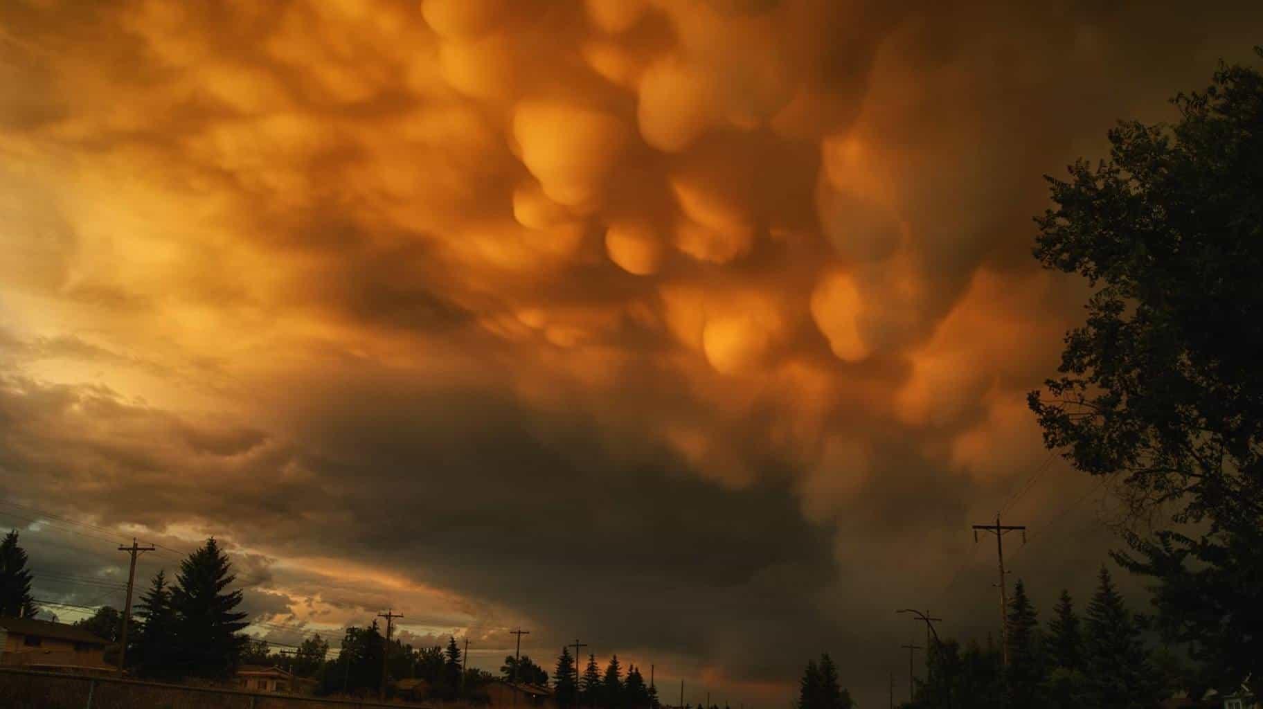 Building Skies -- Coming Tornado. Calgary, Alberta (2013)
