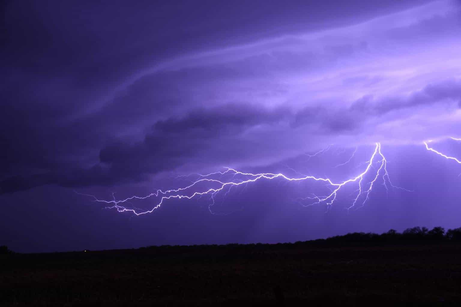 Some nice lightning near Wichita Kansas last night! taken 04/20/2016.