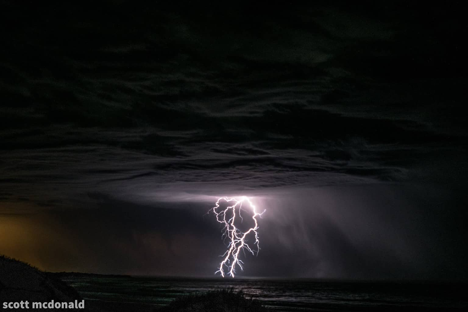 its a tad out of focus but i love the structure on this high base storm from a couple weeks back in western australia