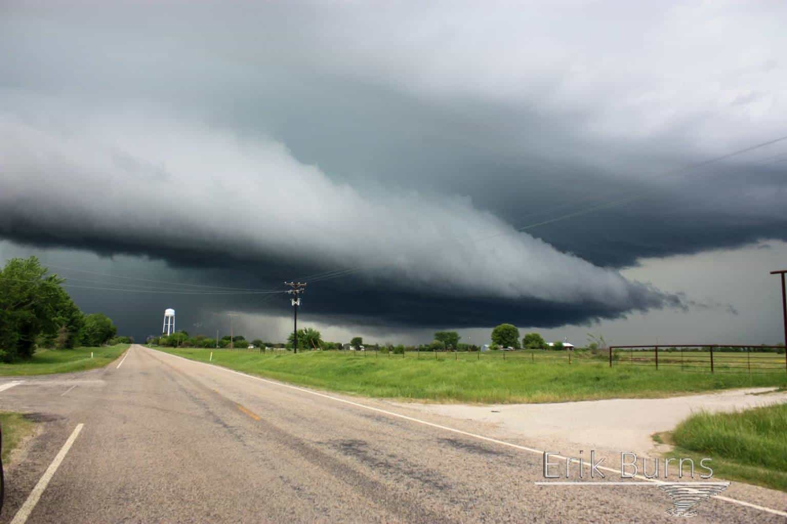 The monster that smashed DFW today. Taken in Wills Point, TX.