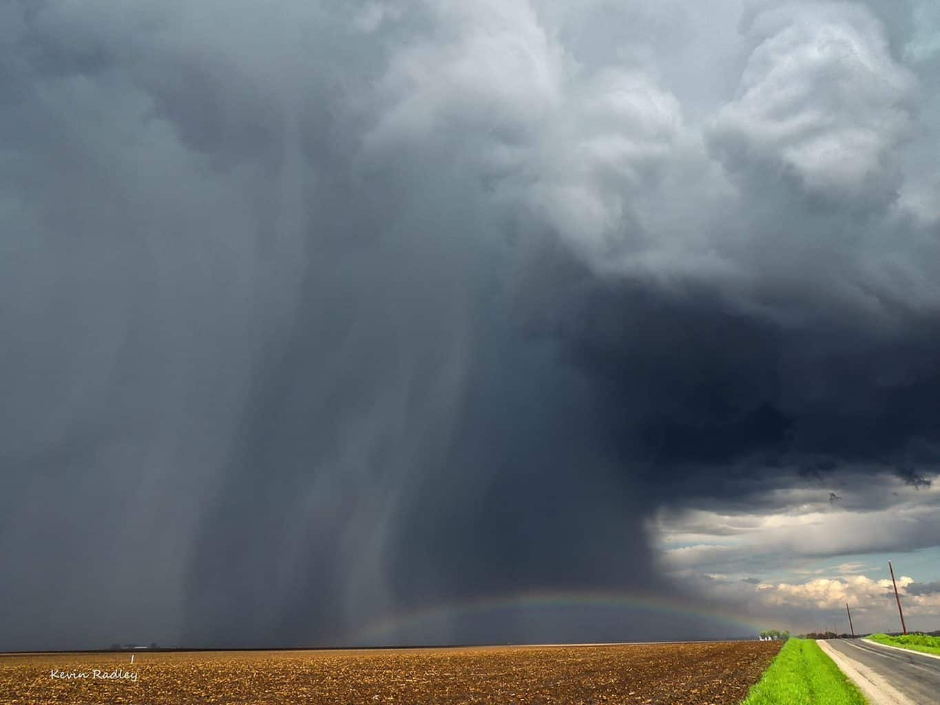 Got this pea size hail producer near Pawnee, IL around 3:30 pm this afternoon 4 21 16. First time I have seen a rainbow like that.