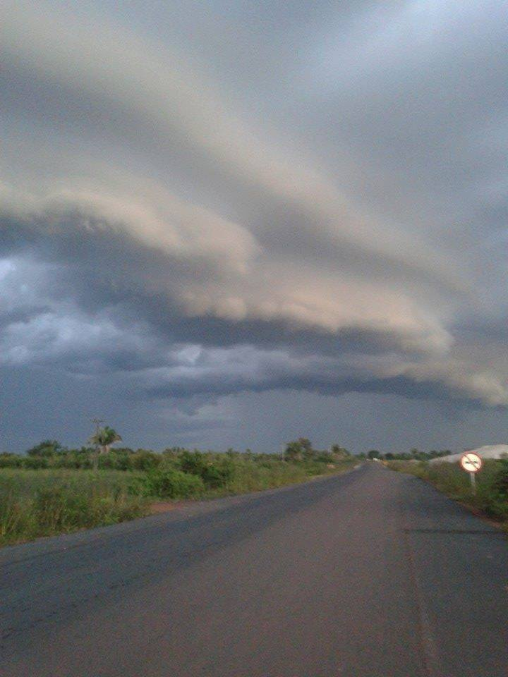 Gust front on highway in Teresina , Piauí, Brazil .