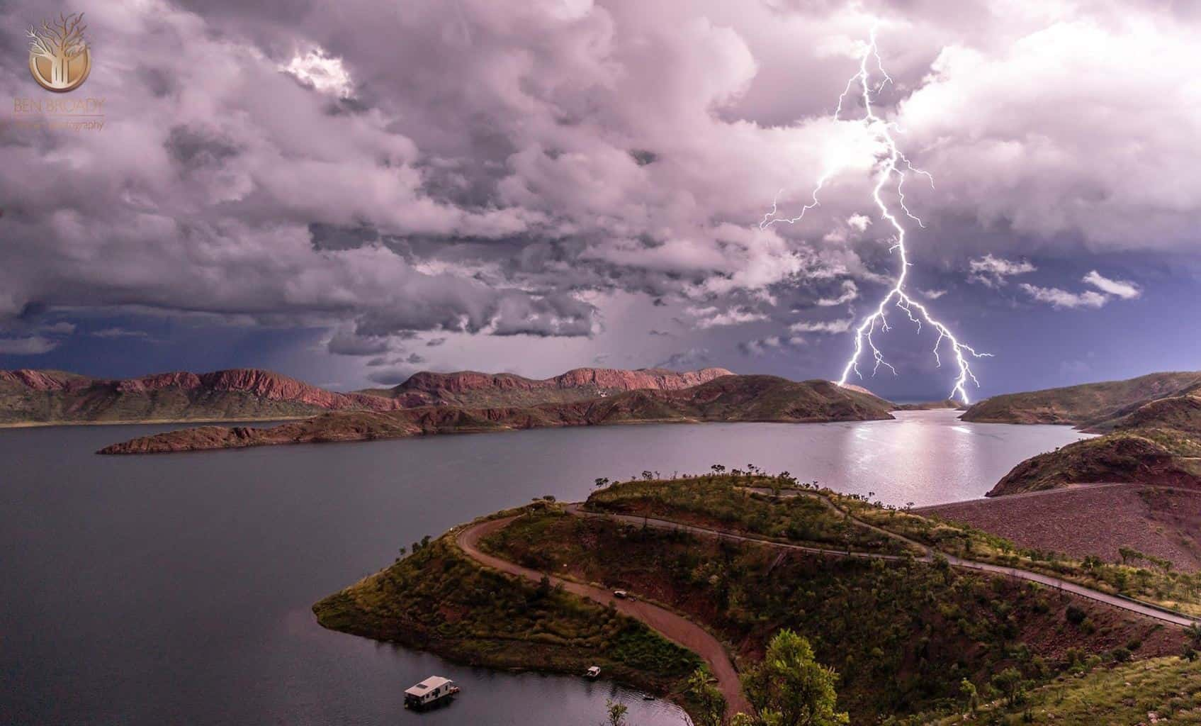 This page is awesome. Some people on here have some great knowledge about lighting, I would love to hear their thoughts on this bad boy. Like Dale in the previous post, this is one I had been dreaming up from outback Australia, though I am on west coast in far north Western Australia.