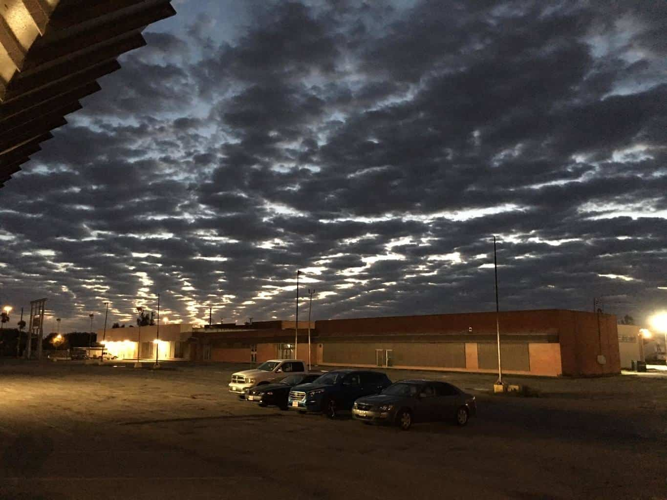 Going in to work on a server this morning and was greeted with this nice sunrise. Would have made a nice time lapse.