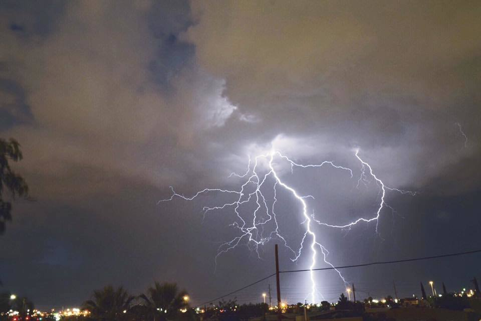 Last lightning strike from a dying thunderstorm!